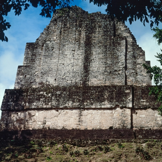 Figure 1. Tikal Temple VI, back of roof comb (Photograph by Jorge Pérez de Lara)